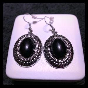 🌸Silver and Black Earrings🌸